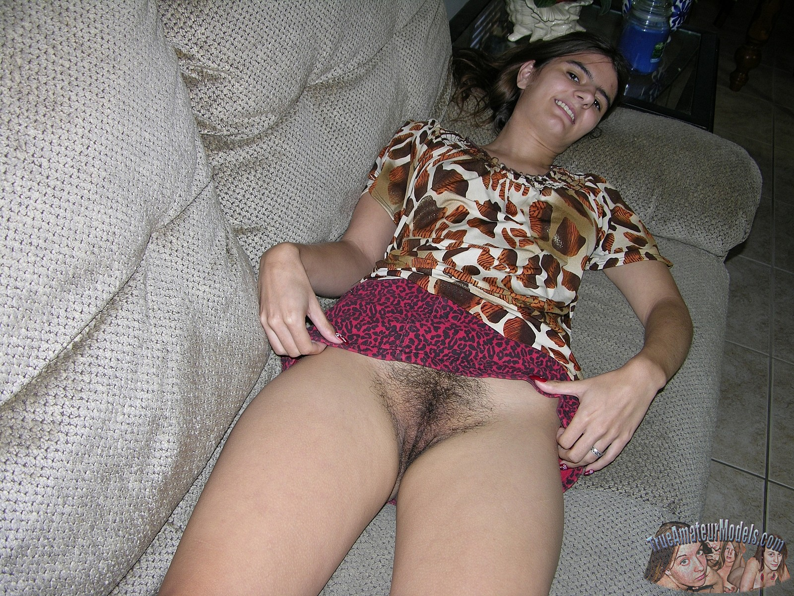 Amature upskirt pussy pictures the