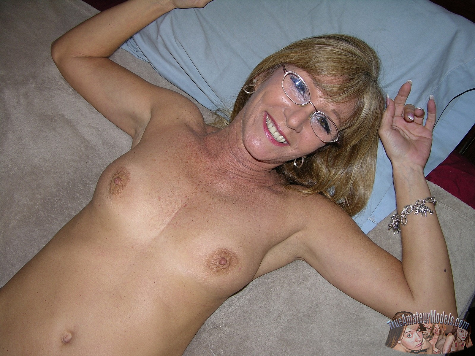 Nude cougars with glasses