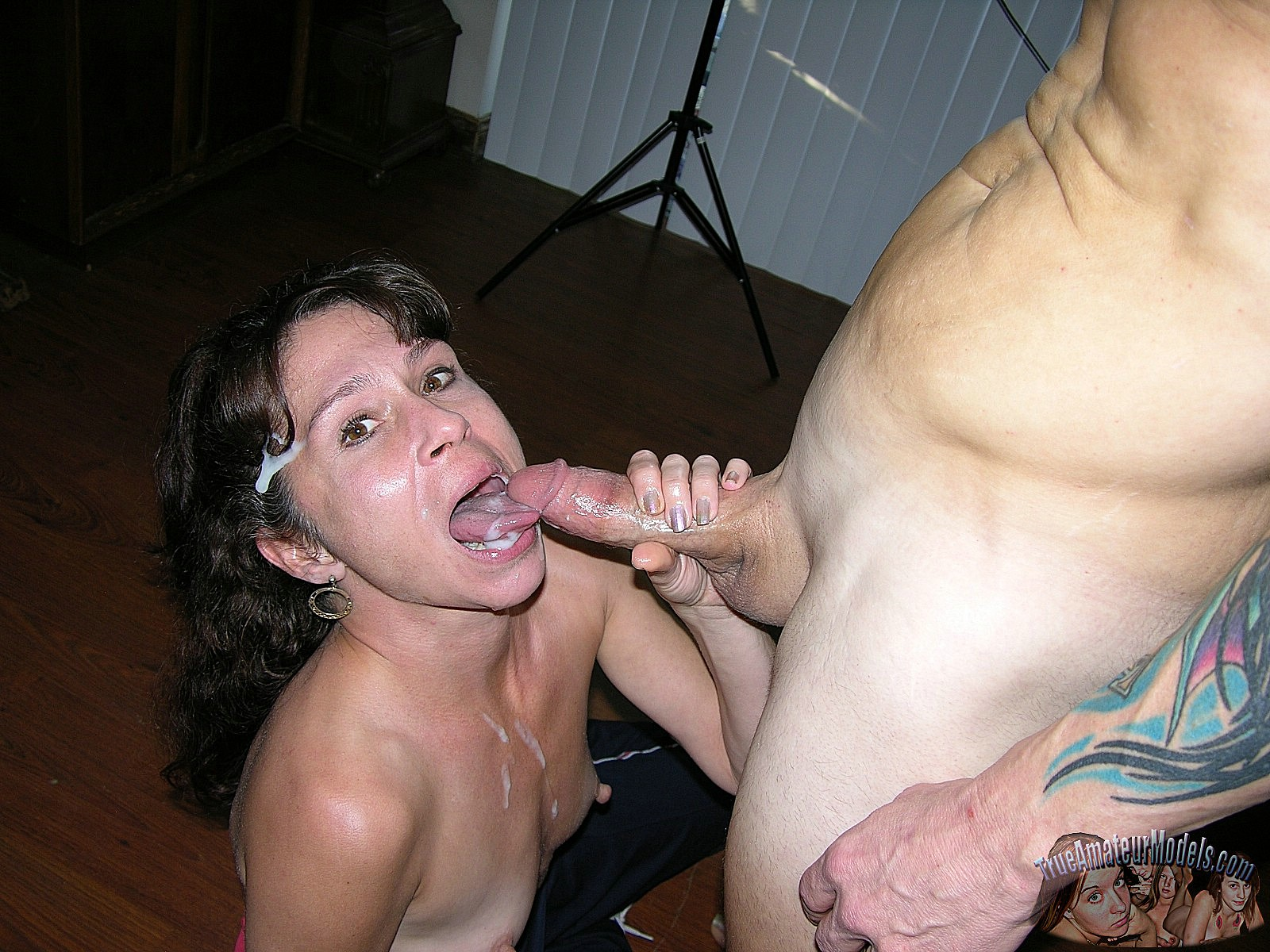 Amateur Blowjob With Swallow - Free