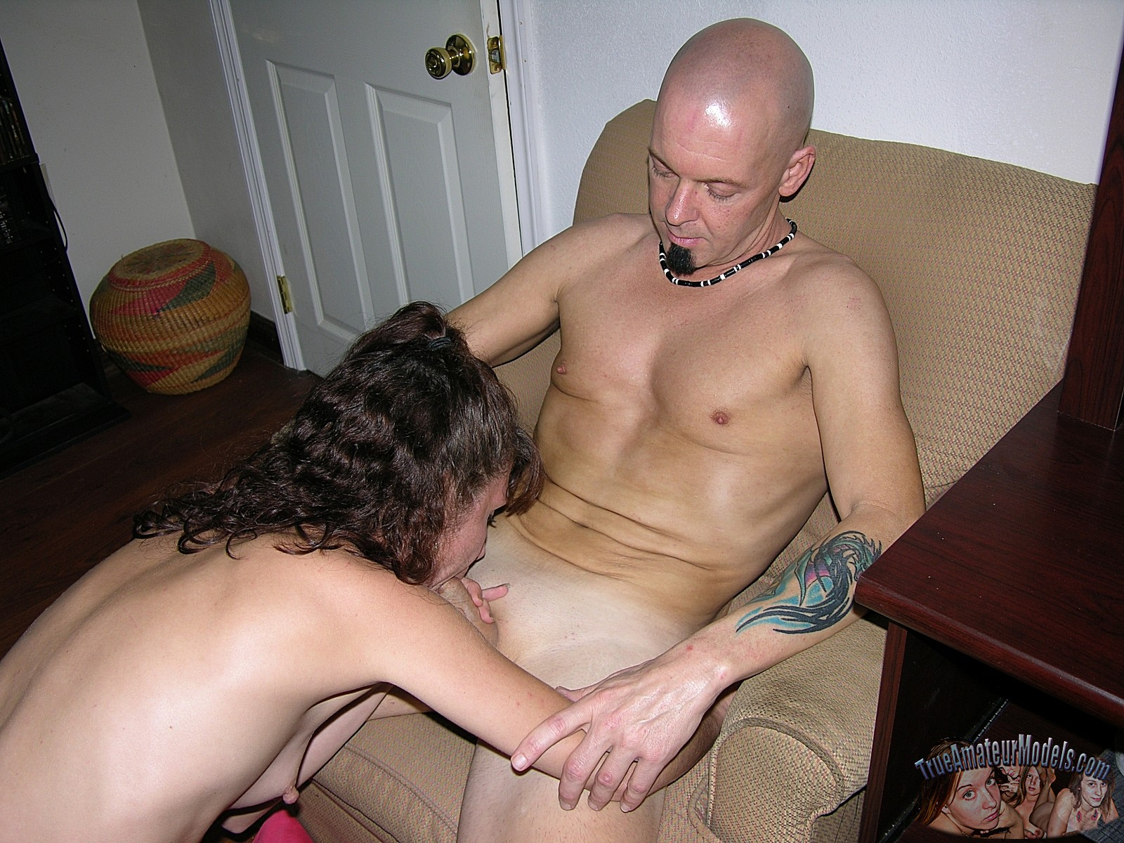 Amater tied milf