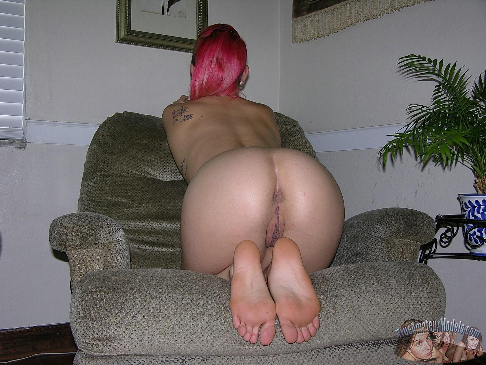 Round sexy ass run away 8